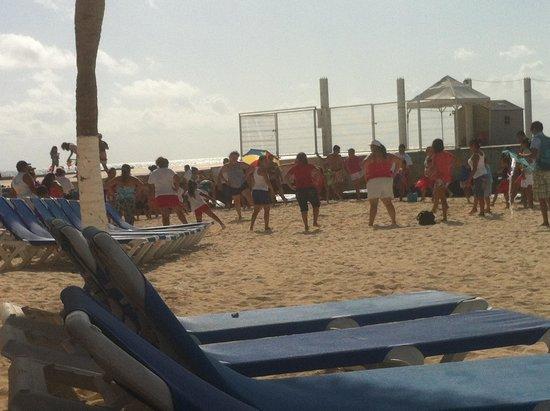 Gran Porto Resort: Local Family Day on the Beach - Locals