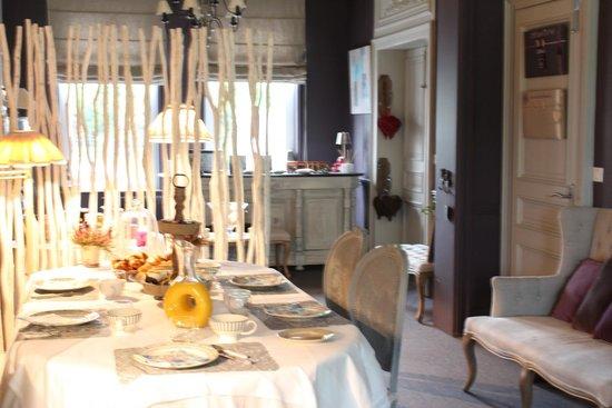 La Cour des Grands: dining room