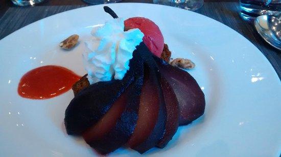 Mercure Beaune Centre: dessert : poire au vin  sorbet....