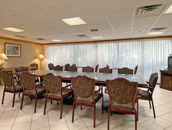 Baymont Inn & Suites Washington : Meeting Room