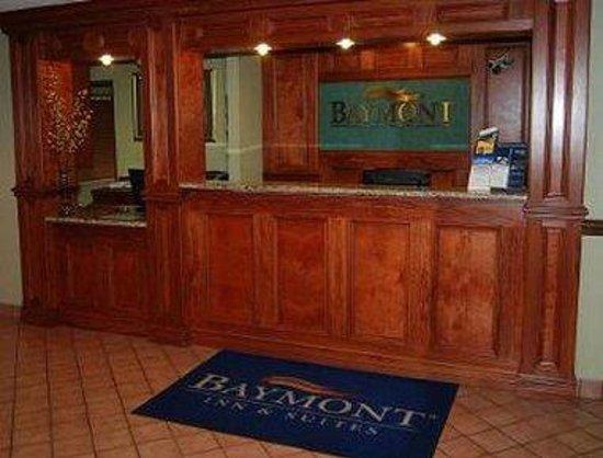 Baymont Inn & Suites Flint: Lobby