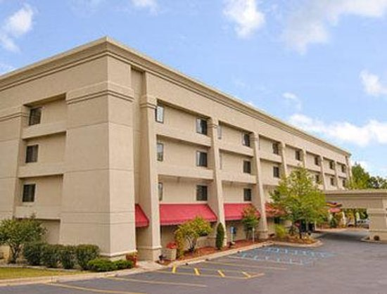 Baymont Inn & Suites Kalamazoo: Welcome to the Baymont Kalamazoo