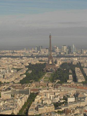 Observatoire Panoramique de la Tour Montparnasse: View of the Eiffel Tower