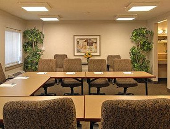 Baymont Inn & Suites Memphis East : Meeting Room