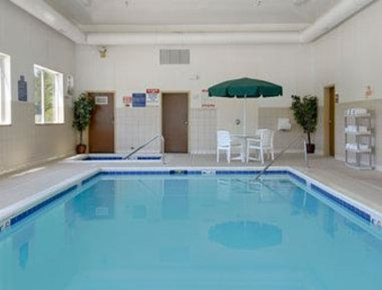 Baymont Inn & Suites Chicago/Calumet City: Pool
