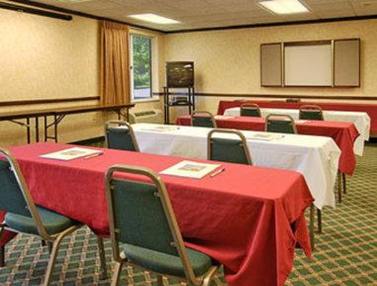 Baymont Inn Grand Rapids N/Walker: Meeting Room