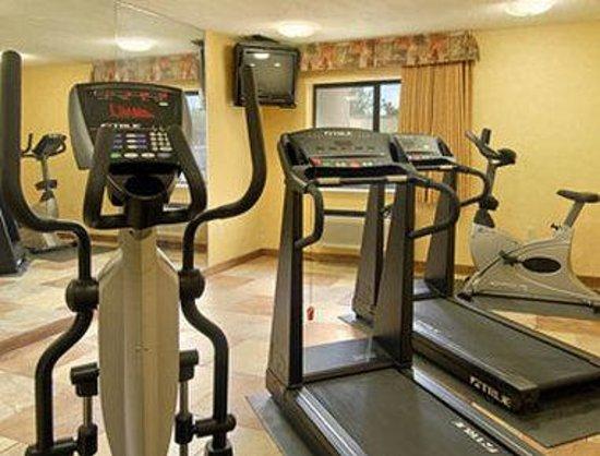 Baymont Inn & Suites Arlington at Six Flags DR: Fitness Center
