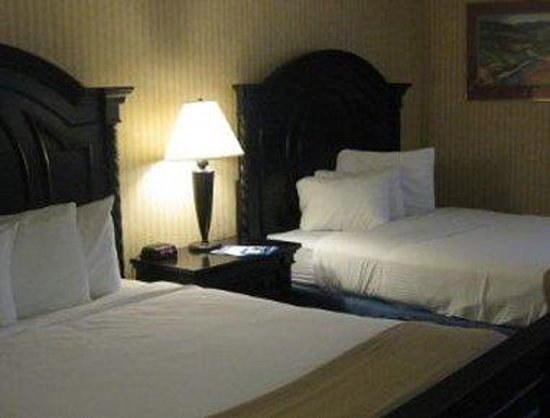 Baymont Inn Bridgeport: Two Double Bed Room