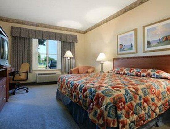 Baymont Inn & Suites Waterford/Burlington WI: Standard King Bed Room