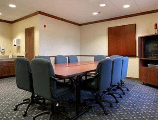 Baymont Inn & Suites Waterford/Burlington WI: Meeting Room