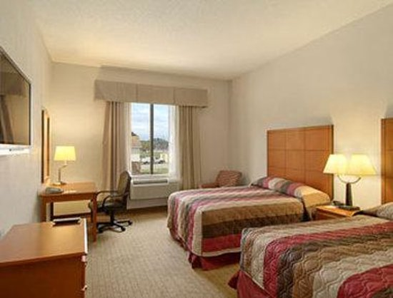 Baymont Inn & Suites Savannah/Garden City: Standard Two Double Bed Room