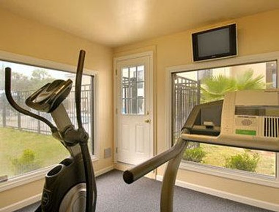 Baymont Inn & Suites Savannah/Garden City: Fitness Center