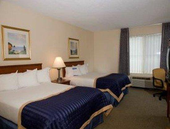 Baymont Inn & Suites Hot Springs : Standard 2 Queen Bed Room