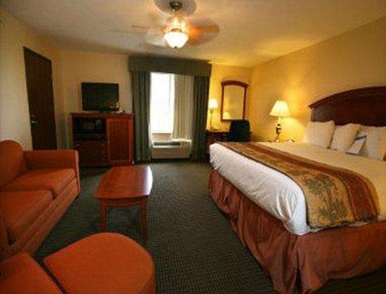 Baymont Inn & Suites Hattiesburg : Suite