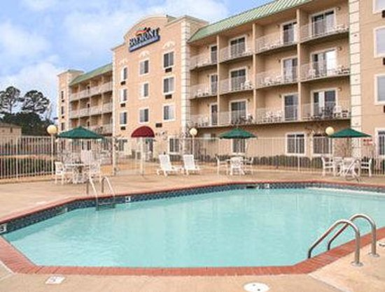 Photo of Baymont Inn & Suites Hot Springs