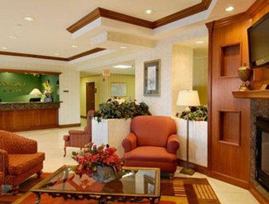 Baymont Inn & Suites Miami Airport West/Doral: Lobby
