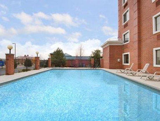 Baymont Inn & Suites Nashville/Brentwood: Pool