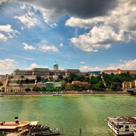 Sofitel Budapest Chain Bridge: Room view
