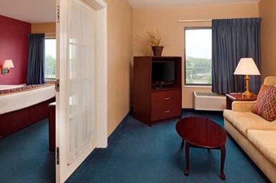 Photo of Baymont Inn & Suites Coralville