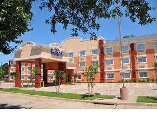 Baymont Inn & Suites Dallas/ Love Field: Welcome to Baymont Inn and Suites Dallas / Love Field