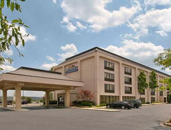 Baymont inn suites cincinnati updated 2018 prices for The baymont