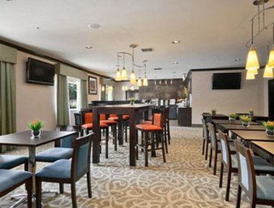 Baymont Inn & Suites Dallas/ Love Field: Breakfast Area