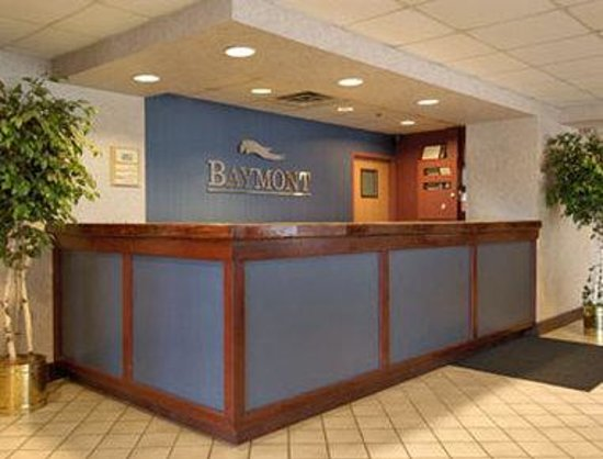 Baymont Inn & Suites Cincinnati : Lobby