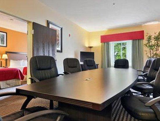 Baymont Inn & Suites Dallas/ Love Field: Suite Boardroom
