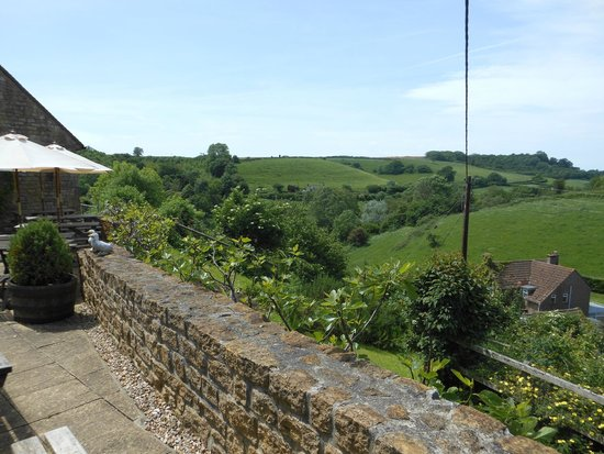 Three Horseshoes Inn : View from terrace
