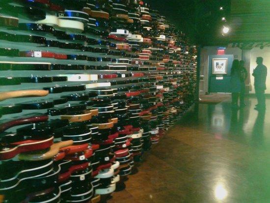 Hard Rock Cafe : Muro di chitarre