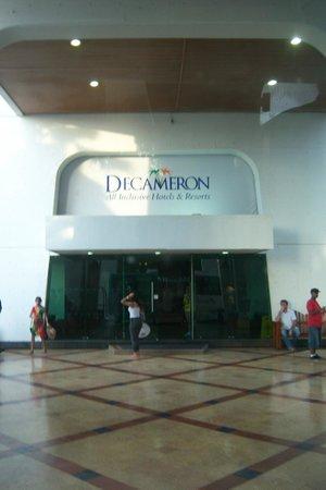 Decameron Cartagena: Acceso al lobby