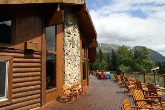 Kenai Princess Wilderness Lodge : Outer Deck