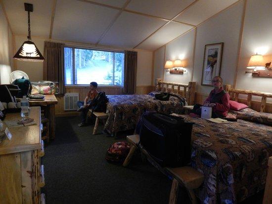 Lake Lodge Cabins : Cabin Room