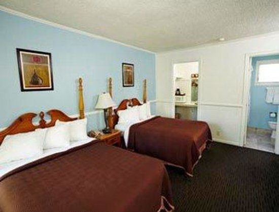 Laguna Beach Lodge: Standard 2 Double Bed Room
