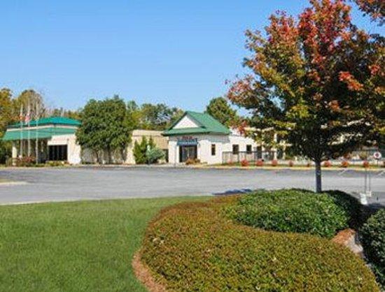 Baymont Inn & Suites Dalton: Welcome to the Baymont Inn and Suites Dalton