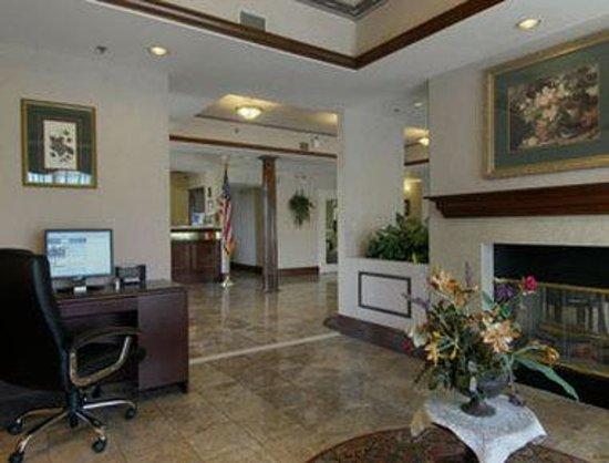 Baymont Inn & Suites Covington: Business Center