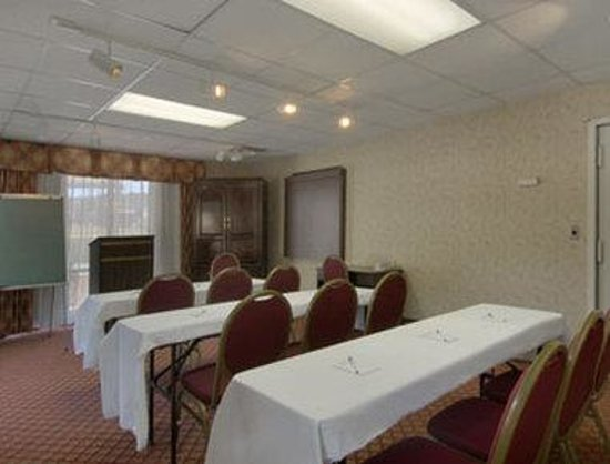 Baymont Inn & Suites Covington: Meeting Room