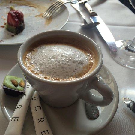 Le Bistrot de l'Alycastre: cafe au lait pour finir