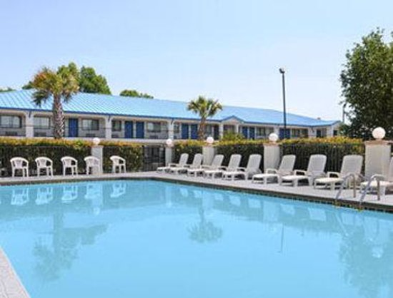 Photo of Baymont Inn & Suites Montgomery