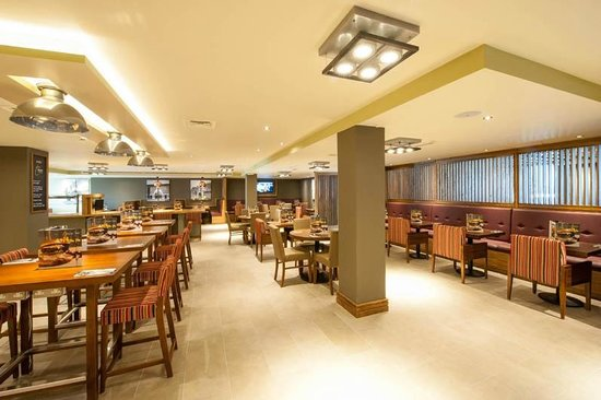 Premier Inn London Hendon (The Hyde) Hotel: Restaurant