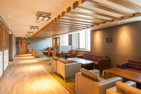 Premier Inn London Hendon (The Hyde) Hotel: Restaurant
