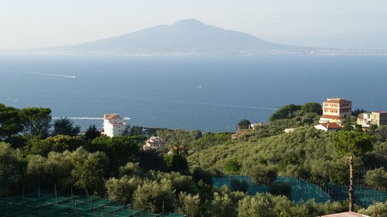 Il Nido Hotel Sorrento: View of Mount Vesuvius