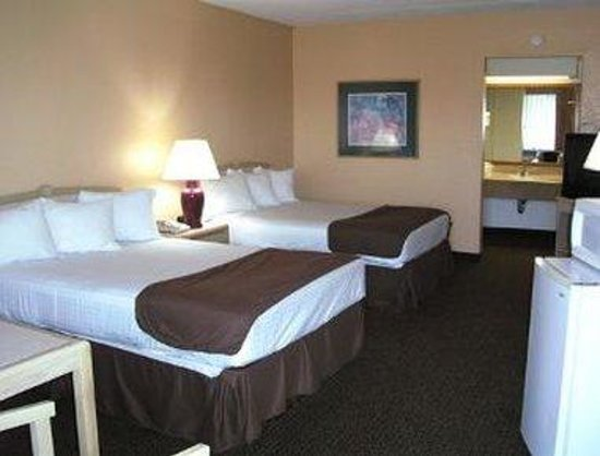 Travelodge Deltona: Two Double Bed Room