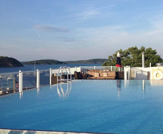 West Street Hotel: The rooftop pool