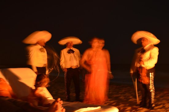 Las Ventanas al Paraiso, A Rosewood Resort: The mariachis