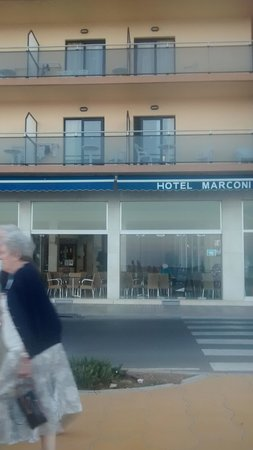 Marconi Hotel: front view