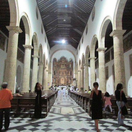 St. Catherine of Alexandria Cathedral: Nave Central