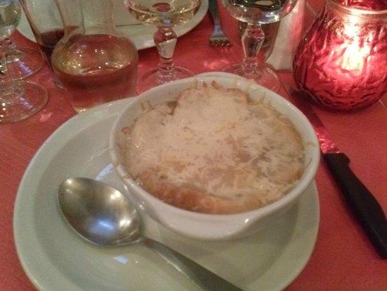 Tire Bouchon: onion soup
