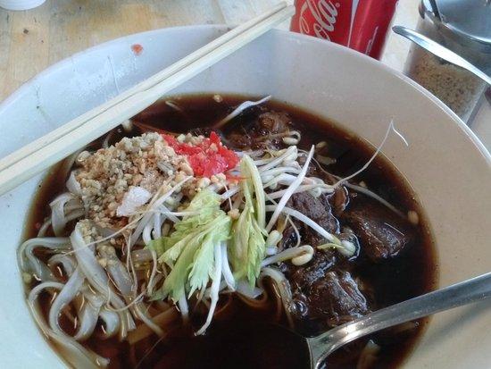Noodle Station : beef noodle soup, YUM!!