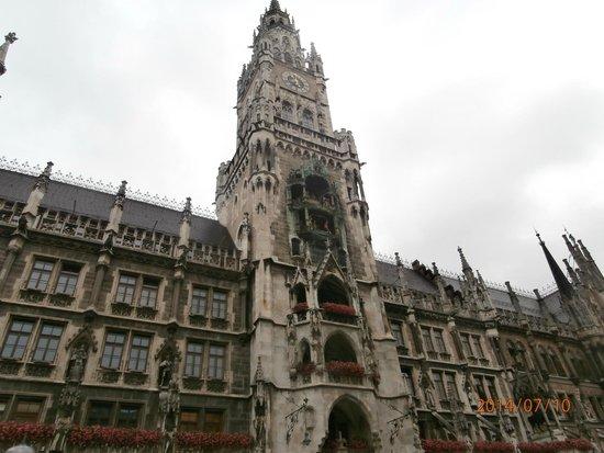 Munich Walk Tours: Edificio del Nuevo Ayuntamiento